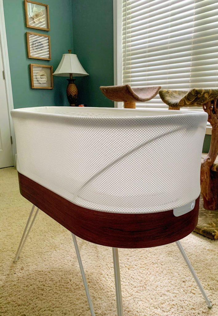 Picture of SNOO bassinet in bedroom